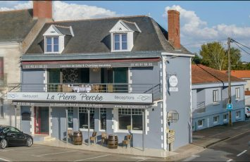 RESTAURANT LA PIERRE PERCEE